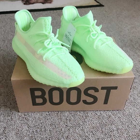 YEEZY 350 V2 GLOW IN THE DARK CRAZY RELEASE